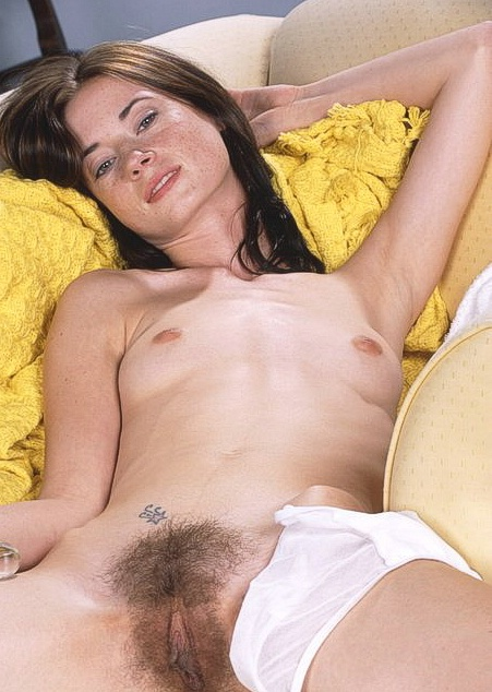 Порно звёзды дрочат мохнатки