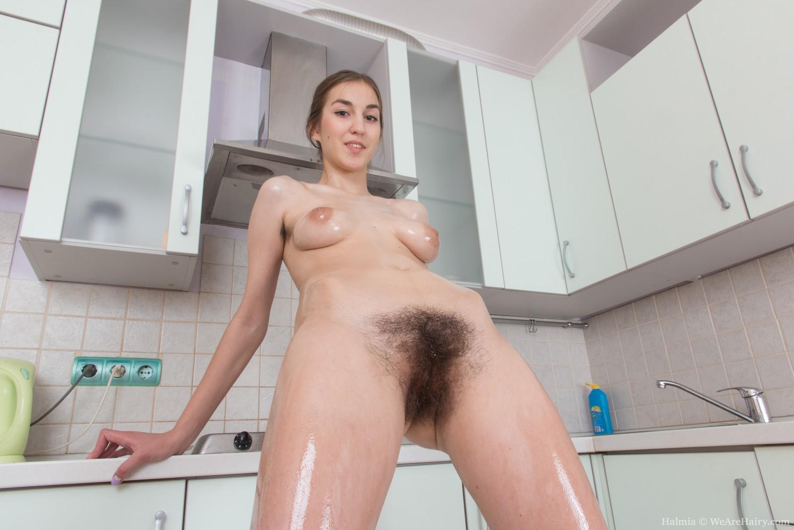 sexy nude full figured ladies
