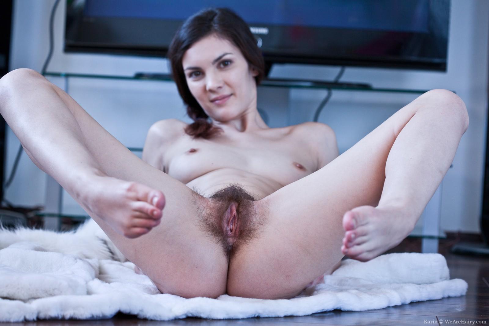nude hairy girls and feet