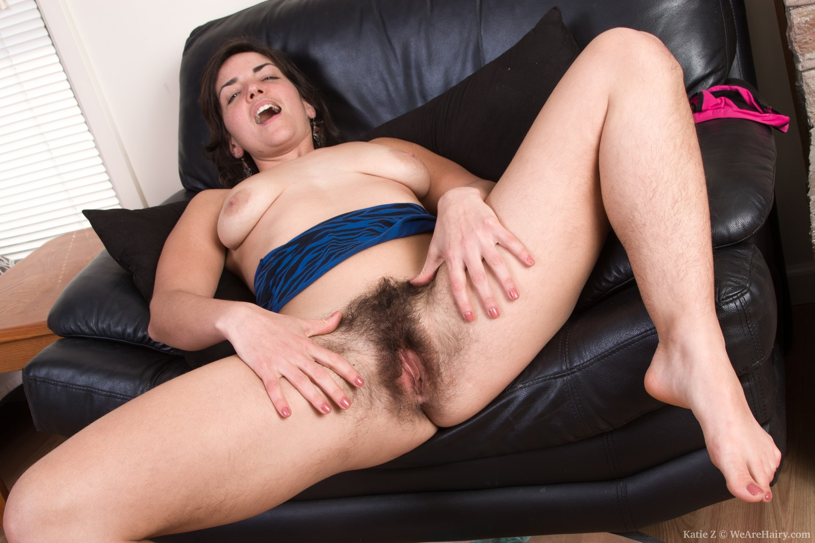 Katie Z demonstrating feet and hairy body on her sofa - WE ...