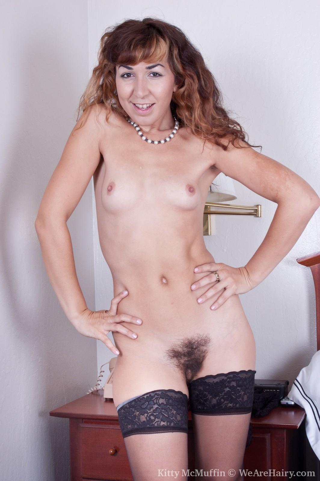 women showing nude kitty