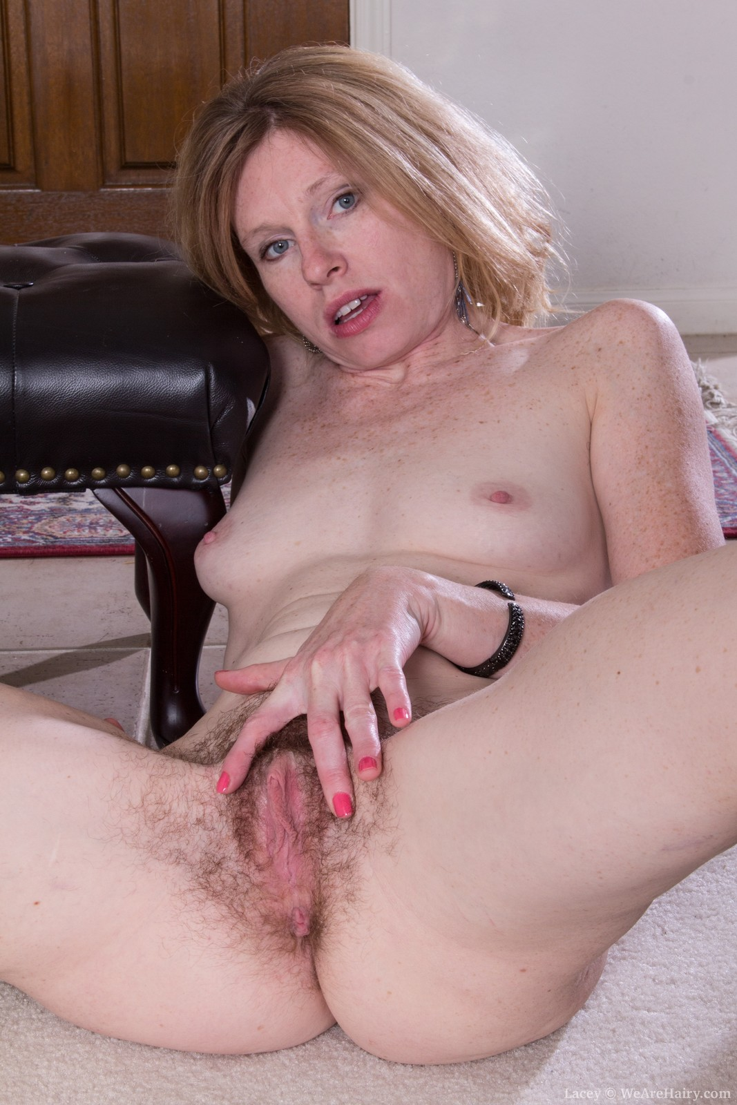 Naked skinny young mom can