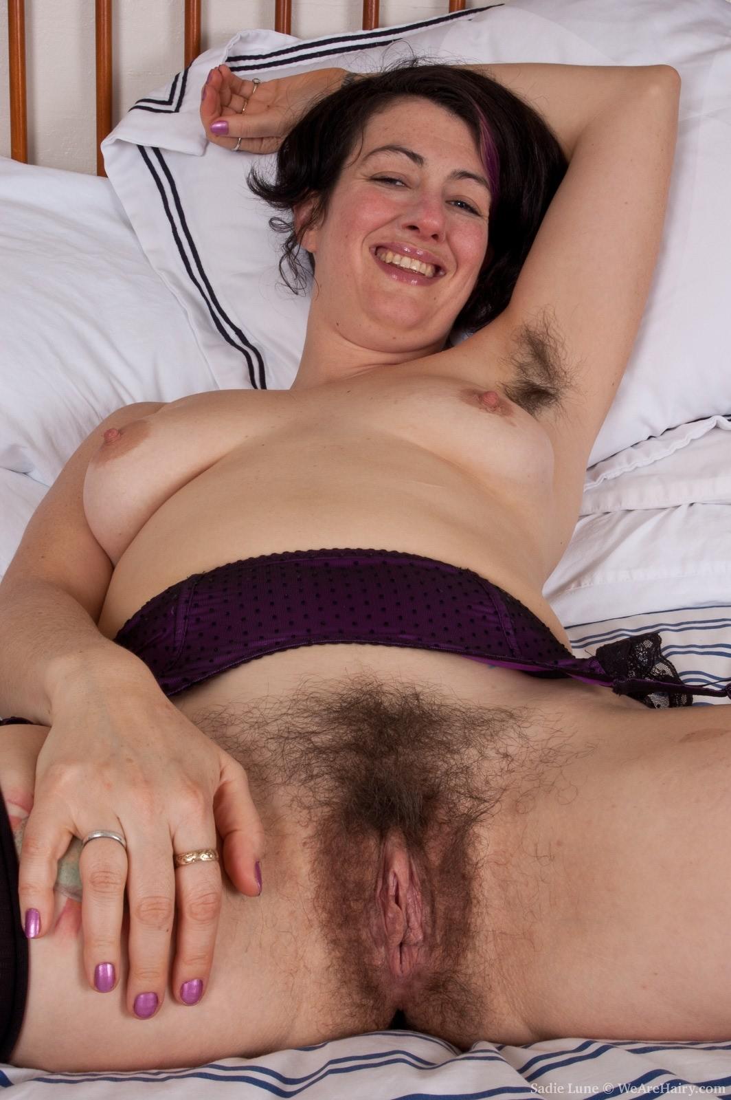 Hairy Ebony Milf Masturbation