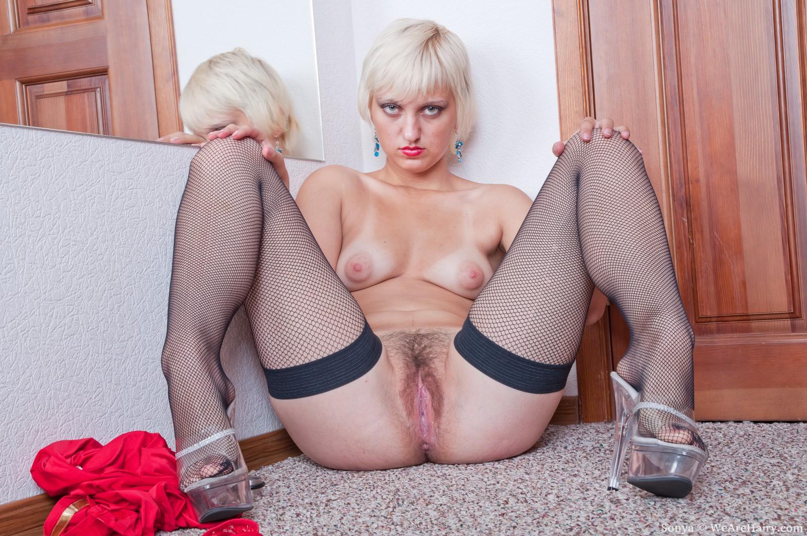 Соня секси порно 24 фотография